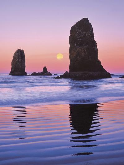 The Needles Rock Monoliths at Sunrise, Cannon Beach, Oregon, USA-Jaynes Gallery-Photographic Print
