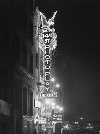 https://imgc.artprintimages.com/img/print/the-new-14th-street-photoplay-theatre-new-york-city-january-6-1917_u-l-pw6zka0.jpg?p=0