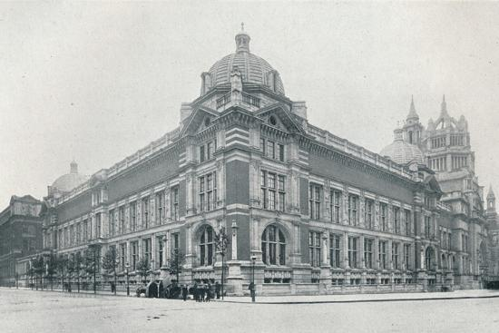 'The new Victoria and Albert Museum opened on June 26th, 1909', c1909-Unknown-Photographic Print