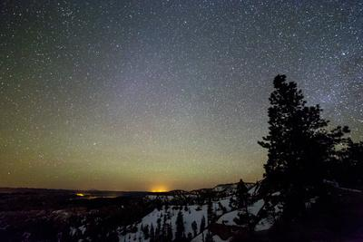 https://imgc.artprintimages.com/img/print/the-night-sky-shining-above-bryce-canyon-national-park-utah_u-l-q19nxmc0.jpg?p=0