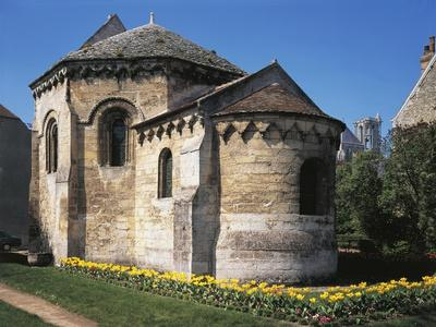 https://imgc.artprintimages.com/img/print/the-octagonal-knights-templar-chapel-ca-1134-laon-france_u-l-poxooa0.jpg?p=0