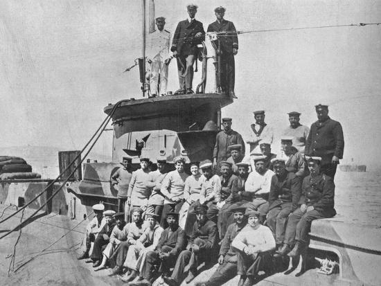 'The officers and crew of the HM Submarine E14', 1915-Unknown-Photographic Print