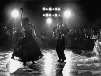 The Opening of the Castellana Hilton Hotel, Spanish Dancers Doing a Famenca Number in Patio-Yale Joel-Photographic Print