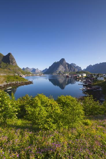 The Picturesque Fishing Village of Reine-Doug Pearson-Photographic Print