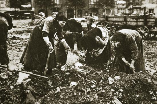 The poor of Berlin rummaging in refuse heaps, Germany, c1914-c1918-Unknown-Photographic Print