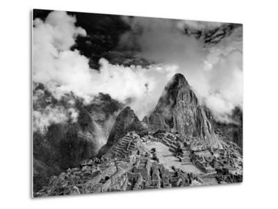 The Pre-Columbian Inca Ruins of Machu Picchu-Jim Richardson-Metal Print