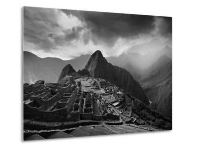 The Pre-Columbian Inca Ruins of Machu Picchu-Jim Richardson-Metal Print