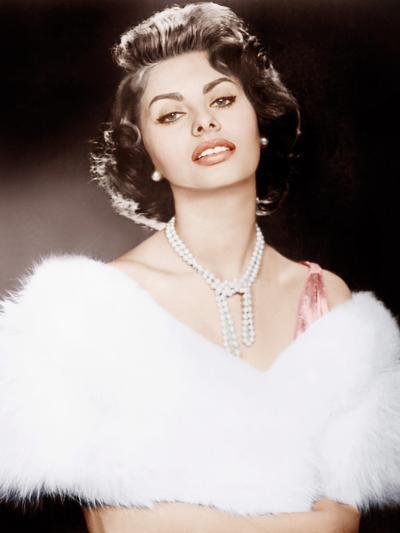 THE PRIDE AND THE PASSION, Sophia Loren, 1957--Photo