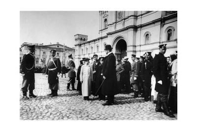 The Public Awaiting Tsar Nicholas II before the Strastnoy Monastery, Moscow, Russia, C1900-C1905--Giclee Print