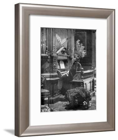 The Queen of Romania Playing the Organ, 1904--Framed Giclee Print