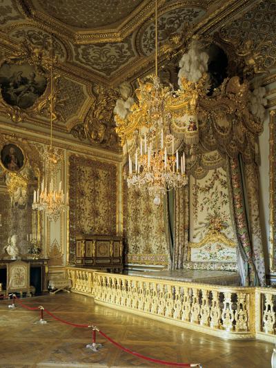 The Queen's Bedchamber, the Queen's Suite (Grand Appartement De La Rein)--Photographic Print