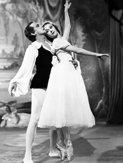 The Red Shoes, from Left: Robert Helpmann, Moira Shearer, 1948--Photo