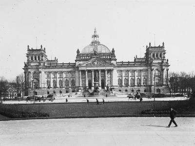 The Reichstag, Berlin, Germany in the Early 20th Century-Robert Hunt-Photographic Print
