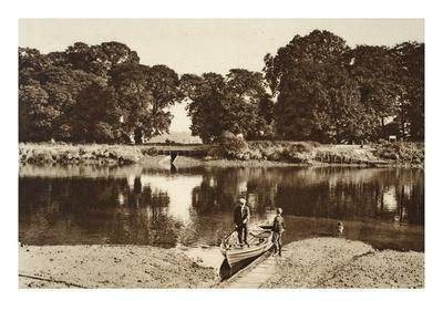 https://imgc.artprintimages.com/img/print/the-river-at-the-isleworth-ferry-looking-towards-the-green-glades-of-kew-gardens_u-l-pgauye0.jpg?p=0