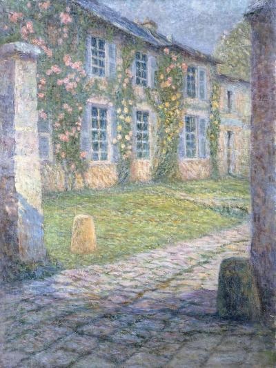 The Rose House in Versailles; La Maison Rose a Versailles, 1918-Henri Eugene Augustin Le Sidaner-Giclee Print