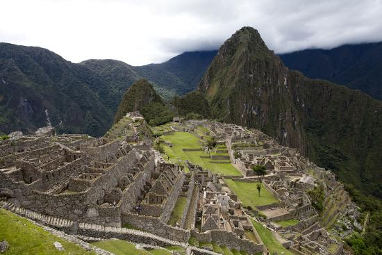 The Ruins At Machu Picchu-Kent Kobersteen-Photographic Print