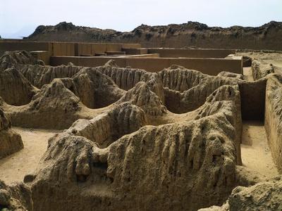 https://imgc.artprintimages.com/img/print/the-ruins-of-tschudi-palace-in-chan-chan_u-l-ppdww60.jpg?p=0