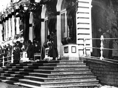 The Russian Imperial Family on the Steps of Catherine Palace, C.1912--Photographic Print
