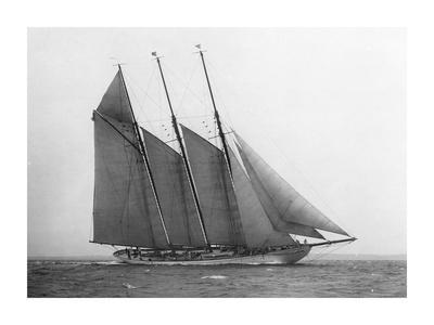 https://imgc.artprintimages.com/img/print/the-schooner-karina-at-sail-1919_u-l-f792yn0.jpg?p=0