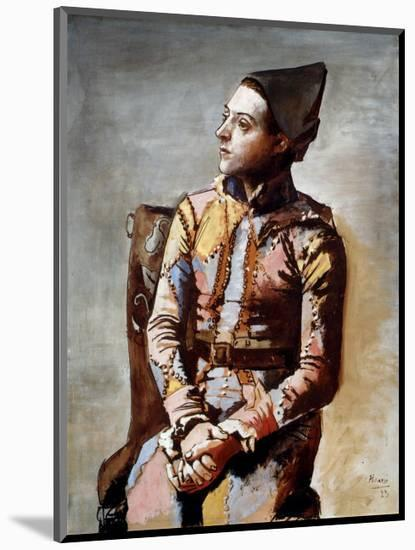 The Seated Harlequin, 1923-Pablo Picasso-Mounted Art Print