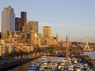 The Seattle Great Wheel, Seattle, Washington, USA-Jamie & Judy Wild-Photographic Print