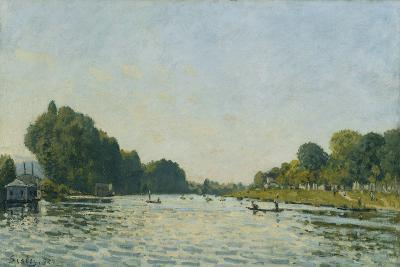 The Seine at Bougival; La Seine a Bougival, 1872-Alfred Sisley-Giclee Print