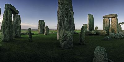 The Standing Stones of Stonehenge-Macduff Everton-Photographic Print