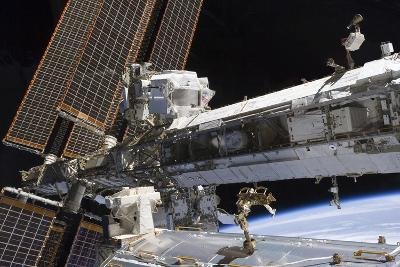 The Starboard Truss of the International Space Station--Photographic Print