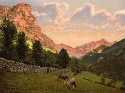 The Suburbs, Eaux Bonnes, Pyrenees, France, C.1890-C.1900--Giclee Print