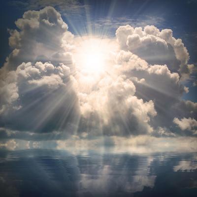 https://imgc.artprintimages.com/img/print/the-sun-on-dramatic-sky-over-sea_u-l-pofnoe0.jpg?p=0