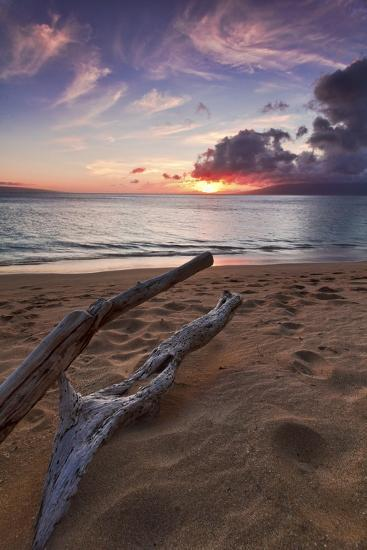 The Sun Setting over the Ocean on North Kaanapali Beach in Maui, Hawaii-Clint Losee-Photographic Print