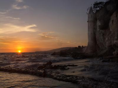 The Sunset over the Turret Tower at Victoria Beach in Laguna Beach, Southern California-Stephanie Starr-Photographic Print