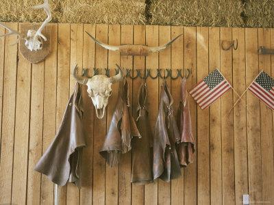 https://imgc.artprintimages.com/img/print/the-tack-room-at-saddleback-ranch-in-colorado_u-l-p4pikv0.jpg?p=0