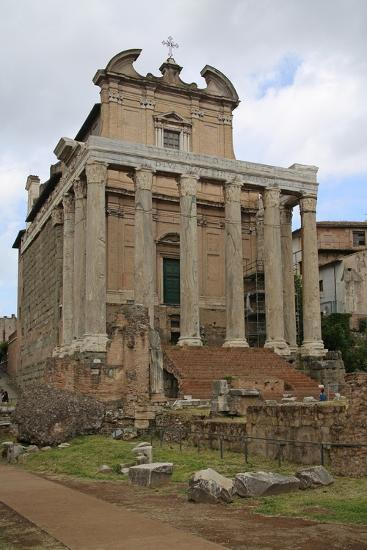 The Temple of Antonino and Faustino--Giclee Print
