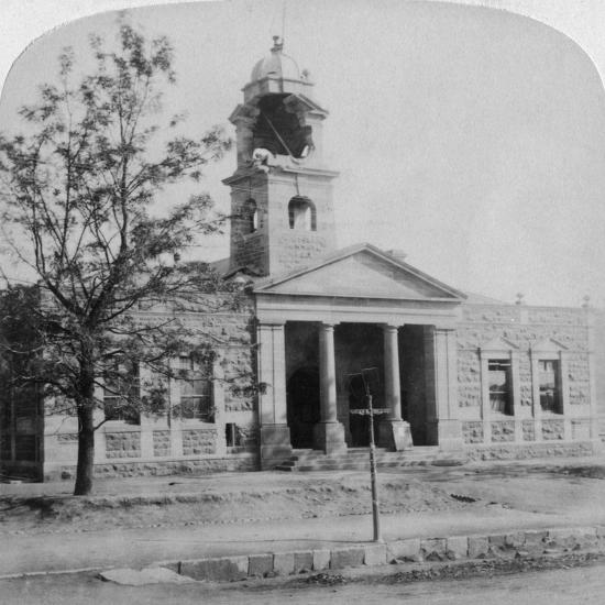 The Town Hall, Struck by a Boer Shell During the Siege, Ladysmith, South Africa, 1901-Underwood & Underwood-Giclee Print