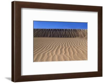 The USA, California, Death Valley National Park, Stovepipe Wells, Mesquite Flat Sand Dunes-Udo Siebig-Framed Photographic Print