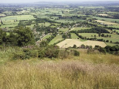 The Vale of Evesham from the Main Ridge of the Malvern Hills, Worcestershire, England-David Hughes-Photographic Print