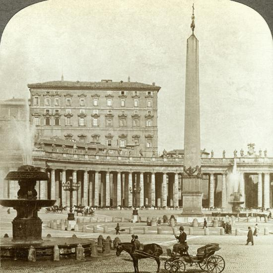 The Vatican Palace from St Peter's Square, Rome, Italy-Underwood & Underwood-Photographic Print