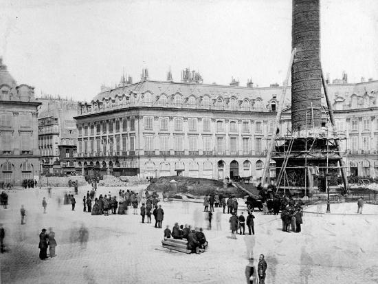 The Vendôme Column One Hour before Destruction, 16th May 1871--Photographic Print