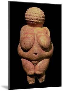 The Venus of Willendorf, Fertility Symbol, Pre-Historic Sculpture, 30000-25000 BC (Front View)
