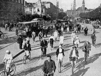 The Vesterbrogade, Copenhagen, Denmark, C1922-T Larsen-Giclee Print