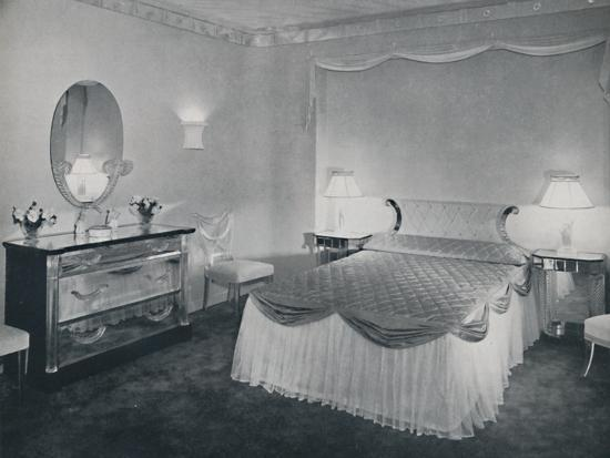 'The vibrant qualities of 'Plexiglas' are used to advantage in this bedroom', 1942-Unknown-Photographic Print
