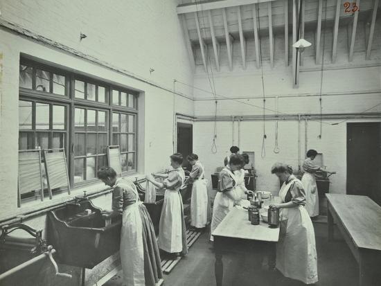 The Washing Room, Battersea Polytechnic, London, 1907--Photographic Print