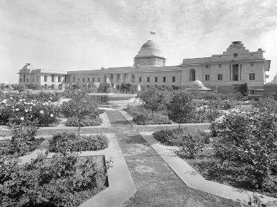 The West Front of the Viceroy's House Seen from across the Formal Moghul Water Garden--Photographic Print