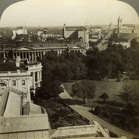 The White House and the Treasury Building, Washington DC, USA-Underwood & Underwood-Photographic Print