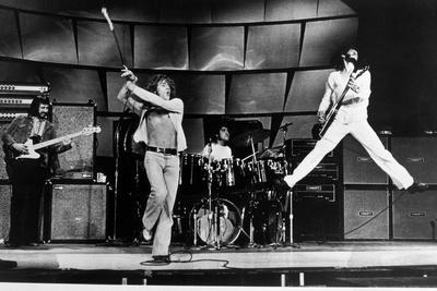 https://imgc.artprintimages.com/img/print/the-who-on-stage-in-1969_u-l-pwgm710.jpg?p=0