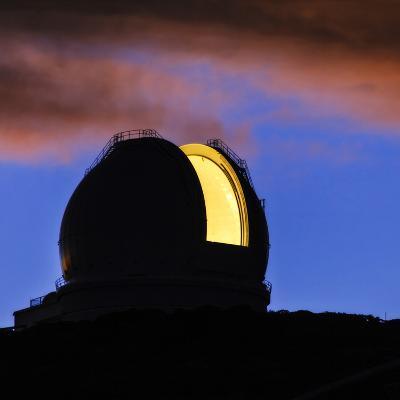 The William Herschel Telescope at Dawn-Babak Tafreshi-Photographic Print
