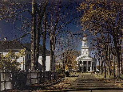 https://imgc.artprintimages.com/img/print/this-church-typifies-the-design-of-a-new-england-meetinghouse_u-l-p89scn0.jpg?p=0