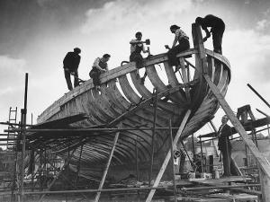 This Wooden Fishing Boat was Built by 60 People in 100 Days, WW2 Topsham Shipyard 1944