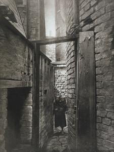 Old Closes and Streets: No.11 Bridgegate, c.1868 by Thomas Annan